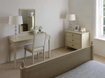 Larsson Dressing Table *Neptune > Sleep